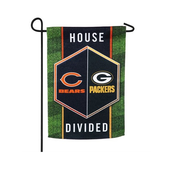 House-Divided-Garden-Flag-Packers-and-Bears